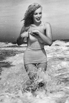 Marilyn Monroe; photo by André de Dienes; Tobay Beach. Massapequa, New York; Summer 1949.