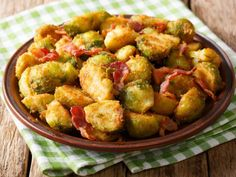 So einfach, so lecker: Rosenkohl mit Parmesan – Well come To My Web Site come Here Brom Potato For Skin, Benefits Of Potatoes, Potato Juice, Parmesan Recipes, Puppy Food, Different Recipes, Sprouts, Good Food, Food And Drink