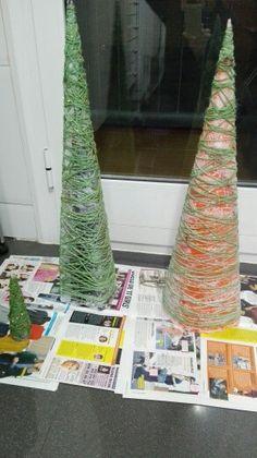 Árboles de Navidad con lana