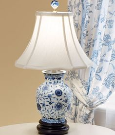 porcelain blue medallion lamp i would like some delft pottery to play. Black Bedroom Furniture Sets. Home Design Ideas