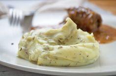Eine köstliche Beilage ist das Kartoffelpüree mit Kümmel und Majoran. Das Rezept schmeckt auch Kinder immer wieder gern