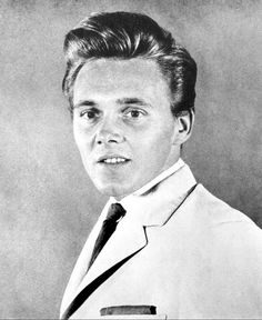 click then click again for LGE pic 50s Vintage, Vintage Images, Billy Fury, Rock N Roll, How To Look Better, Scene, Singer, Face, Music