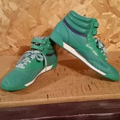 66ca64de9d06 Reebok Classics Gently worn green swirly patterned Reebok Classics. These  are light weight with 2