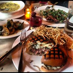 The Spotted Pig, a gastro pub to go to - they say around is the best time to fit in. New York City. April Bloomfield, Beer Burger, Gastro Pubs, James Beard, Best Chef, Food Goals, Coffee Gifts, Grubs, Pulled Pork