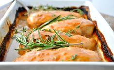 Запеченная курица под густым соусом (блюдо, которое готовится практически само) - InVkus