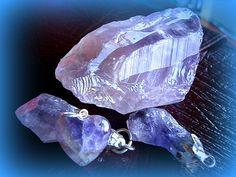 #fengshui #kristal AMETIST by #fengshuisrbija O svakom kristalu koji mozete naruciti, brzo i jednostavno, lepo i prakticno 061 63 43 143 http://fengshuisrbija.com/blog/kristali-za-nosenje/