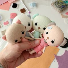I think these are my all time faves! Felt Diy, Handmade Felt, Felt Crafts, Fabric Dolls, Paper Dolls, Homemade Dolls, Sewing Stuffed Animals, Cat Doll, Miniature Crafts
