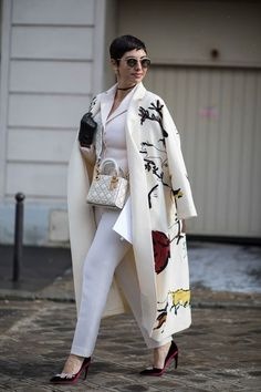 The Best Street Style Looks From Paris Fashion Week Fall 2018 - Fashionista women beauty and make up Trend Fashion, Look Fashion, Korean Fashion, Autumn Fashion, Fashion Outfits, Womens Fashion, Fashion Design, Fall 2018 Fashion, Fashion Hats
