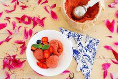 Rebarborová zmrzlina svůní malin – Jezte sláskou Grapefruit, My Recipes, Ice Cream, Food, No Churn Ice Cream, Icecream Craft, Essen, Meals, Yemek