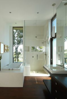 Mandeville Canyon Residence Bathroom