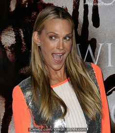 Molly Sims  (Los Angeles premiere) http://www.icelebz.com/events/los_angeles_premiere_of_carrie_at_arclight_hollywood/photo9.html