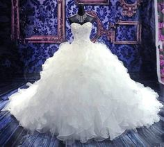 2017 Luxury Cathedral/Royal Train Ball Gown Wedding Dress Sweetheart Embroidery Beading Lace-up Organza Vestido De Noiva