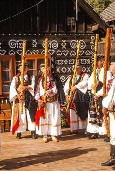 Lidové kroje na Slovensku Folk Costume, Costumes, European Countries, Czech Republic, Folk Clothing, Culture, Homeland, German, Polish