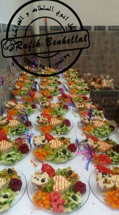 Styling A Buffet Receptions Crudites Grazing Tables Outfit Ramadan Catering Salad Dressing Fashion Healthy Eating Tips, Healthy Nutrition, Food N, Food And Drink, Dips Food, Styling A Buffet, Grazing Tables, Food Platters, Vegetable Drinks