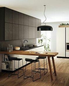 A Guide to Efficient Small Kitchen Design for Apartment Having limited space in an apartment doesn't mean you don't deserve a nice kitchen. See what a small kitchen design is all about. Peninsula Kitchen Design, Kitchen Bar Design, Interior Design Kitchen, Island Kitchen, Kitchen Layout, Island Design, Kitchen Colors, Table Design, Küchen Design