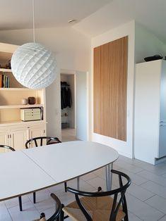 Wooden slat wall, wall panels & acoustic panels at Wood Slat Wall, Wooden Slats, Kitchen Feature Wall, Walnut Bedroom, Beautiful Interior Design, Acoustic Panels, Living Room Tv, Rum, Natural
