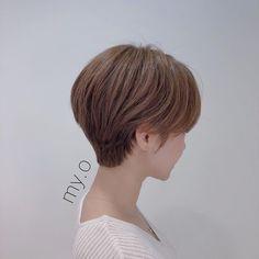 Korean Short Hair, Short Hair Korea, Girl Short Hair, Short Hairstyles For Women, Short Hair Cuts For Women, Grey Brown Hair, Short Bob Styles, Tomboy Hairstyles, Kpop Hair