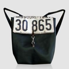 My friend Maria makes lovable bags!This will be mine soon!!!