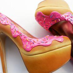 shoe bakery doughnut strawberry icing shoe high heel pump