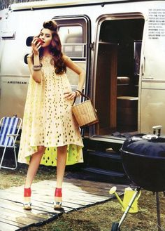 It's okay to camp / park in style. Trailer Park Girls, New Fashion, High Fashion, Fashion Women, Vintage Airstream, Park Pictures, Vintage Fall, A Boutique, Glamping