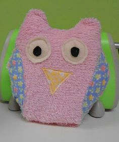 How To Make Cute Owl Pillows : Crafts on Pinterest Leaf Paintings, How To Make Cupcakes and Clay Owl