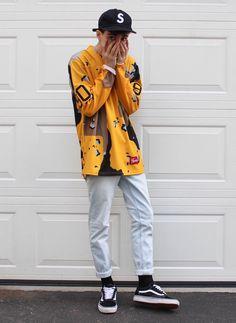 Yellow jacket baseball cap skater sty | Follow @FILET. for more street style #filetlondonle