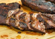 Beef liver with smoked paprika (recipe in Greek) Paprika Recipes, Liver Recipes, Beef Liver, Smoked Paprika, Food To Make, Grilling, Favorite Recipes, Meat, Barbecue