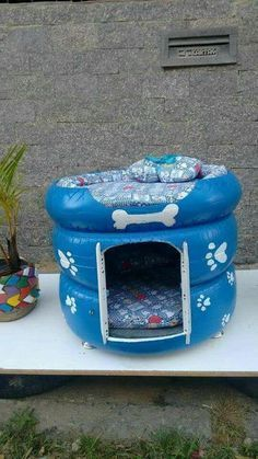 15 DIY outdoor cat house for your fur babies - Lombn Sites Animal Room, Tire Craft, Tire Furniture, Furniture Ideas, Furniture Market, Cat House Diy, Tiny House, Diy Dog Bed, Dog Beds