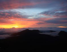 Sunrise at Haleakala...definitely doing this!