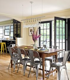 Dining Room Decorating Ideas - Dining Room Decor - Country Living #diningroomdecor