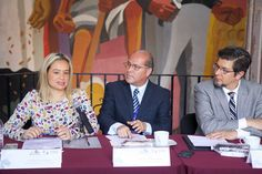 La secretaria de Turismo de Morelia, Thelma Aquique, asistió a la rueda de prensa en donde se dierona conocer los pormenores de la edición número 26 del Festival, que se ...
