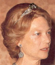 Tiara Mania: Emerald Peacock Necklace Tiara worn by Grand Duchess Josephine Charlotte of Luxembourg Royal Crowns, Royal Tiaras, Crown Royal, Tiaras And Crowns, Peacock Necklace, Diamond Tiara, Royal Brides, Royal Life, Royal Jewelry