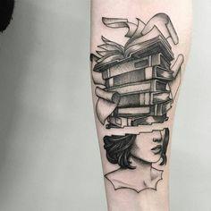 like big books and I cannot lie! Creative Tattoos, Unique Tattoos, Small Tattoos, Writer Tattoo, Book Tattoo, Tattoos Skull, Sleeve Tattoos, Nerd Tattoos, Tatoos