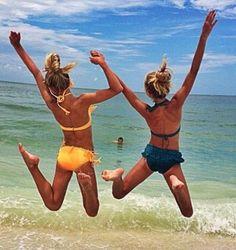 at the beach with faith! love you girl! sooo funnnn