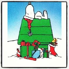 SNOOPY ON HOUSE-CHRISTMAS