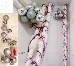 Weihnachtsdeko silberne weihnachtsbaumkugeln gruppen girlande