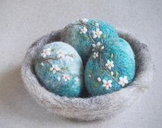 Needle felted blossom eggs by The Lady Moth - spring eggs decor - Easter egg - egg nest - blue eggs - decorated eggs - blooming tree - UK