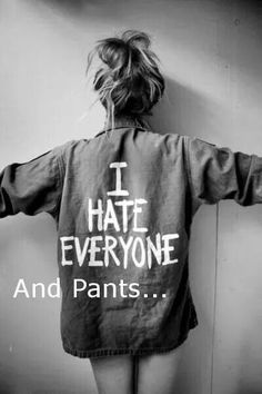 Jac Vanek 'I Hate Everyone' Vintage Army Jacket Grunge Style, Mode Grunge, Grunge Fashion Soft, Grunge Girl, 90s Grunge, Jeans West, Film Noir Fotografie, I Hate Pants, Sans Pants