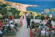 Vintage γαμος με θεμα την ελια | Leslie & Phillip  See more on Love4Weddings  http://www.love4weddings.gr/vintage-wedding-olive-theme/