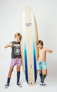 Bañadores niños to the moon.  Kids swimsuits. Shop online www.tothemoon.es