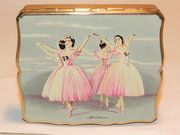 Lavender Hill Antiques - Vintage Stratton Ballerina MUSICAL Powder Compact