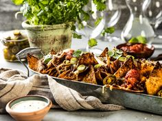 Annonsørinnhold: Her er MENY-kokkens forslag til ukens meny: Uke 9 Kos, Tex Mex, Nachos, Kung Pao Chicken, Chicken Wings, Cheddar, Pulled Pork, Food And Drink, Cheese