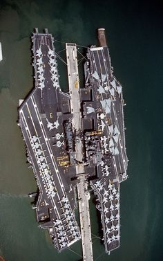 """Birdseye view of carriers USS and USS moored beside each other at Pearl Harbor on 23 Aug Midway en route from Yokosuka, Japan, to NAS North Island where it was decommissioned on 11 Apr Independence continued to Yokosuka"" Military Weapons, Military Aircraft, Fighter Aircraft, Fighter Jets, Tomcat F14, Navy Carriers, Navy Aircraft Carrier, Us Navy Ships, Naval History"