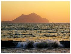 Waves on Aigiali beach / Amorgos island