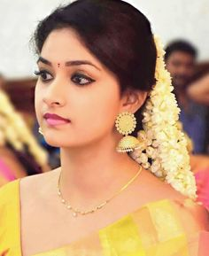Eyes n pink lips Indian Film Actress, South Indian Actress, Indian Actresses, Most Beautiful Indian Actress, Beautiful Actresses, Saree Jewellery, Indian Goddess, Cute Celebrities, Cute Faces