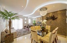 sala bege com parede decorada - Pesquisa Google