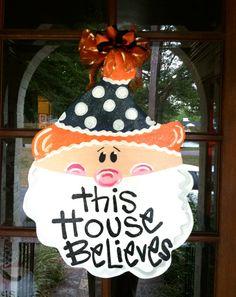 Auburn Christmas door, cute!