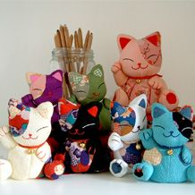 Brilliant cats made from the crepe fabric