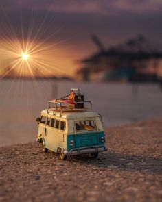 The end of a long day. Miniature Photography, Cute Photography, Creative Photography, Cool Pictures For Wallpaper, Love Wallpaper, Cute Cars, Aesthetic Pictures, Cute Wallpapers, Beautiful Pictures