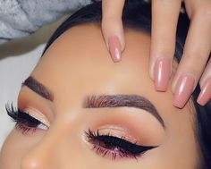 Love the definition and not over done eyebrows and the fresh and light weight makeup it self